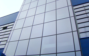 What are the advantages of aluminum panels for aluminum curtain walls?