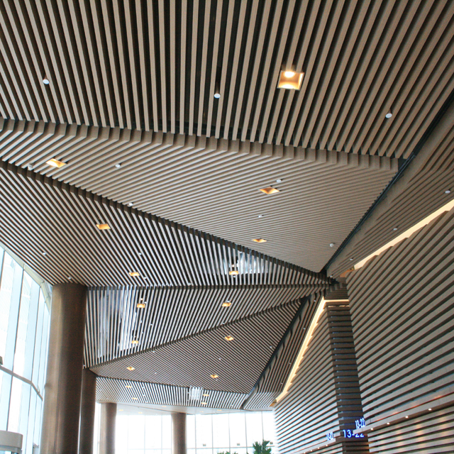 2019 Fashionable Aluminum Baffle Metal Ceiling Designs for Shopping Malls